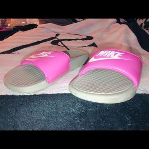Magenta Nike slides!
